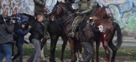 Rechazan Policía Montada en Protestas en Santiago y Concepción